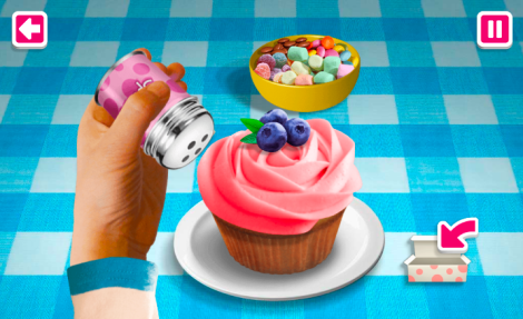 Decorating Cupcakes 2